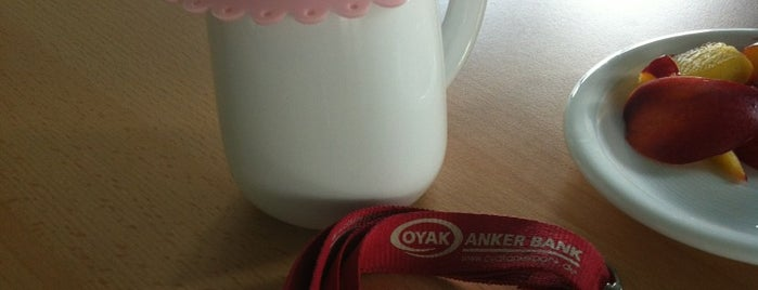 Oyak Anker Bank is one of สถานที่ที่ Mario ถูกใจ.