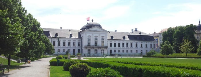 Grasalkovičov palác (Prezidentský palác)   Grassalkovich Palace is one of Bratislava.