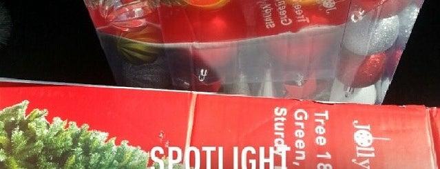 Spotlight is one of Christopher: сохраненные места.