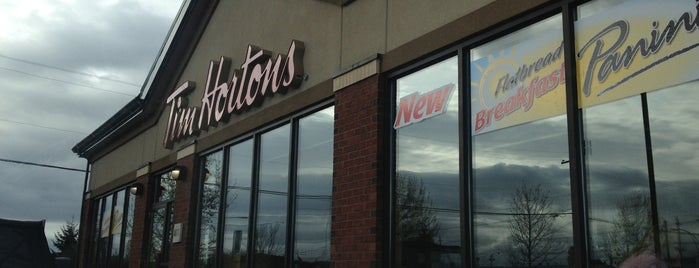 Tim Hortons is one of Lieux qui ont plu à Moe.