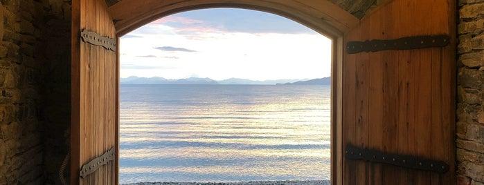 Kargilos Beach & Cafe Bar is one of Dilber 님이 좋아한 장소.