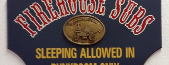 Firehouse Subs is one of Orte, die Lee gefallen.