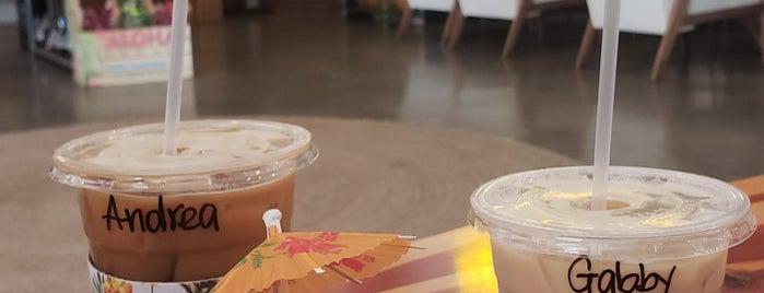 Hawaiian Aroma Caffe is one of Esther : понравившиеся места.