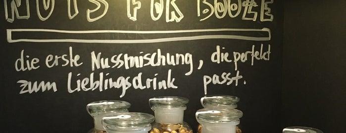 Von und zu Tisch is one of Lugares favoritos de Hazım.