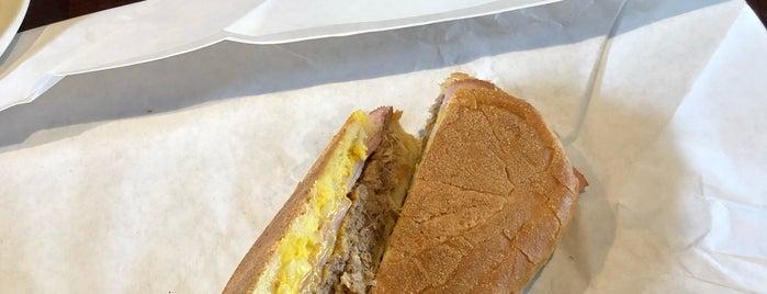 Buchi Cafe Cubano is one of Posti che sono piaciuti a Abel.