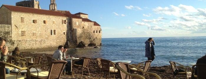 Plaža Astoria is one of สถานที่ที่ Galia ถูกใจ.