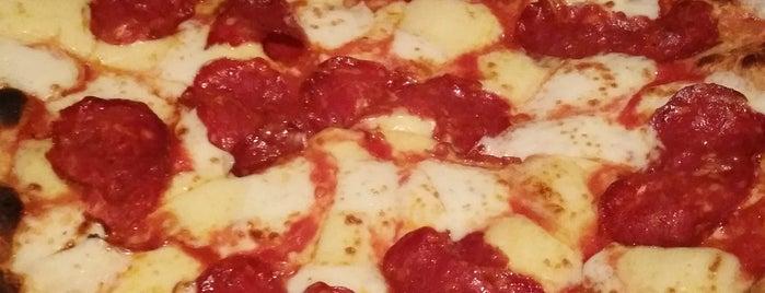 Amici Ristorante & Pizzeria is one of Eva : понравившиеся места.