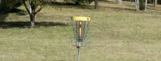 Yadkin Disc Golf Course is one of Ericさんのお気に入りスポット.