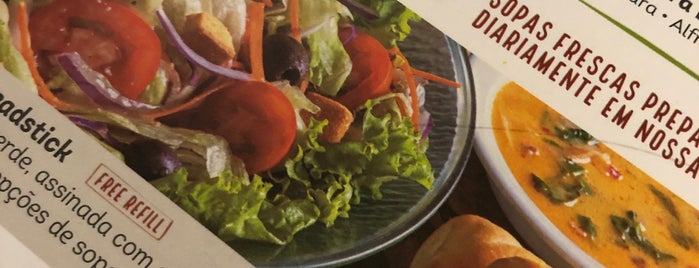 Olive Garden is one of Lugares guardados de Mariana.