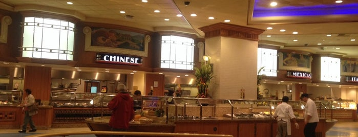 Ports O' Call Buffet at Gold Coast Hotel & Casino is one of Tempat yang Disimpan Mark.