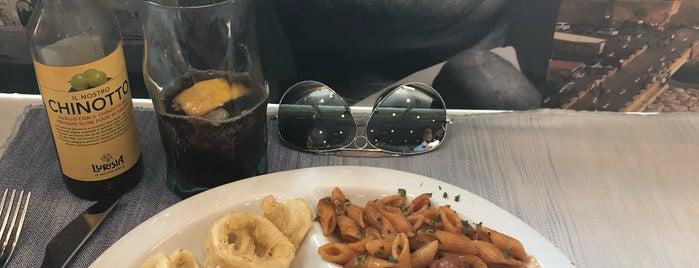 Napoli Café is one of Raffaeleさんのお気に入りスポット.