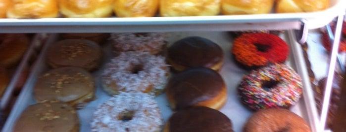 Heavenly Donuts is one of Lugares favoritos de Katya.