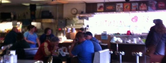 Pattie's Homeplate Cafe is one of Portlandia Pilgrimage.