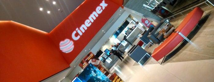 Cinemex Nuevo Veracruz is one of Posti che sono piaciuti a Lelia.