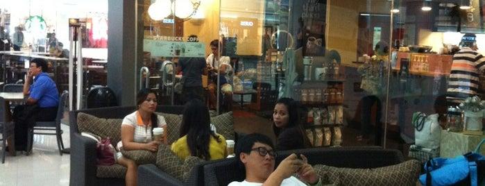 Starbucks is one of สถานที่ที่  rachel  ถูกใจ.