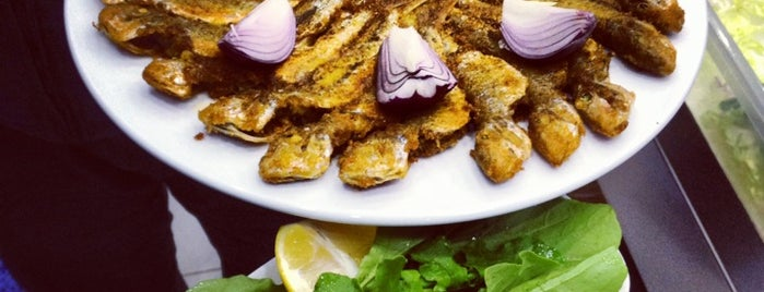 Kaptan Balık Restaurant is one of Lieux qui ont plu à Oktay.