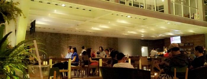 HOME Cafe & Resto is one of Lieux sauvegardés par Devi.