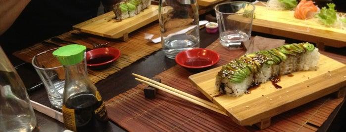 Yama Sushi is one of สถานที่ที่ Valeria ถูกใจ.