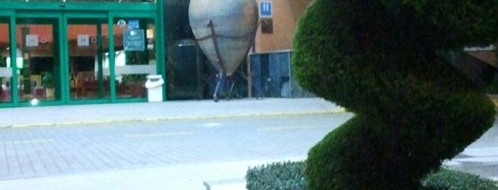 HO Hotel is one of สถานที่ที่ Miguel ถูกใจ.
