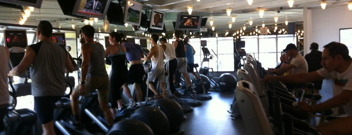 Fitness SF Castro is one of Lugares favoritos de Chris.
