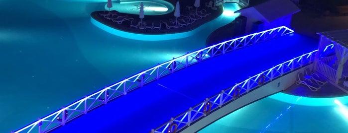 Titanic Resort & Beach Hotel Blacksea is one of Posti che sono piaciuti a Tuğrul.