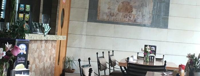Restaurant Los Agaves is one of Tempat yang Disukai Breen.