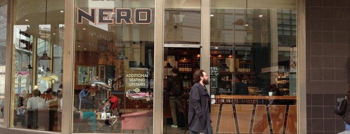 Caffè Nero is one of Locais curtidos por Leen.