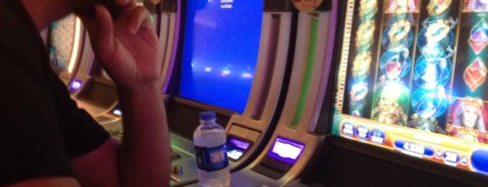 Malpas Hotel & Casino is one of Ümitさんのお気に入りスポット.