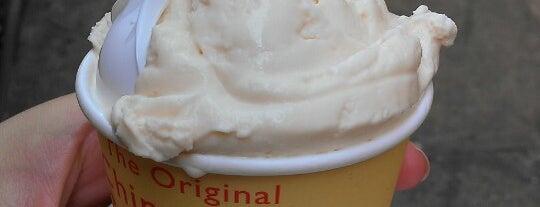 The Original Chinatown Ice Cream Factory is one of Tempat yang Disukai Christina.