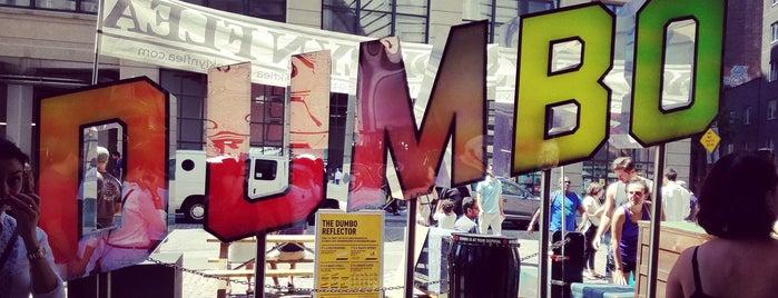 Brooklyn Flea - Dumbo is one of Tempat yang Disukai Christina.