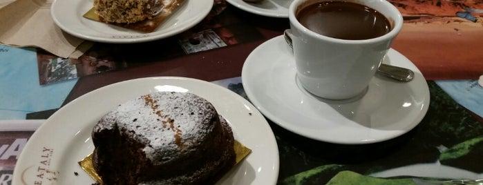 Caffe Lavazza is one of Tempat yang Disukai Christina.