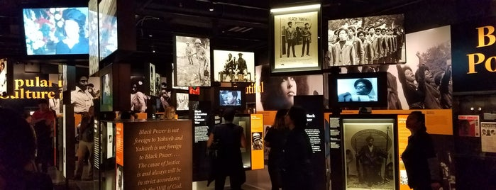 National Museum of African American History and Culture is one of Tempat yang Disukai Christina.