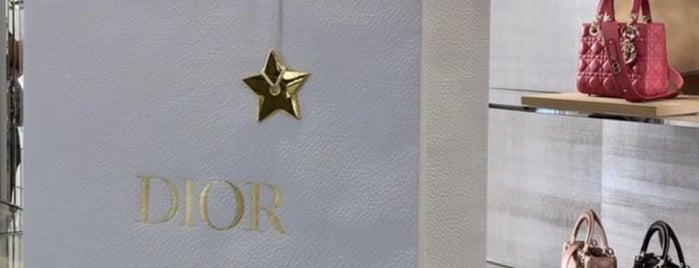 Christian Dior Zorlu Center is one of Locais curtidos por Szny.
