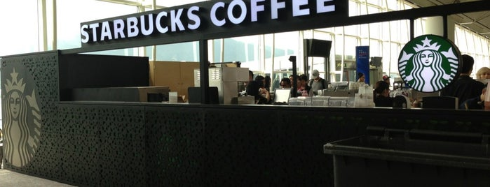 Starbucks is one of Tempat yang Disukai Ashwin.