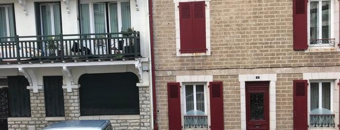 Biarritz is one of Lieux qui ont plu à jordi.