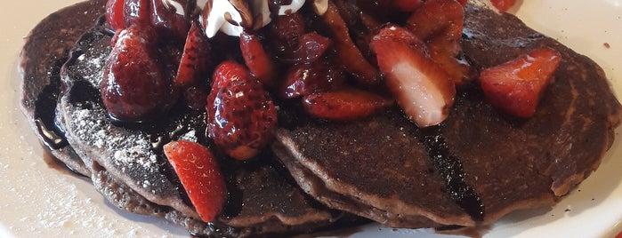 La Casa Del Waffle is one of Lugares favoritos de Liz.