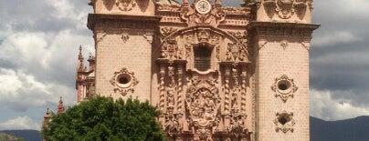 Plaza Taxco is one of สถานที่ที่ Marycarmen ถูกใจ.