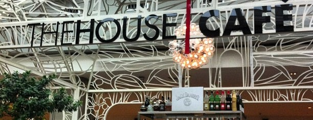 The House Cafe is one of Hülya 님이 좋아한 장소.