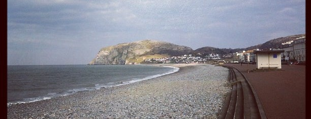 Llandudno Beach is one of Lugares favoritos de Carl.