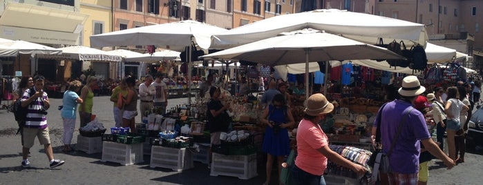 Campo de' Fiori is one of Roma - a must! = Peter's Fav's.