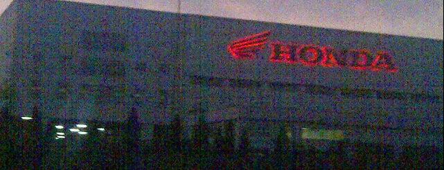 Astra Honda Motor (AHM) Cikarang is one of Lieux qui ont plu à Kemal.