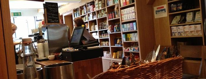 Kennedys Foodstore is one of Posti che sono piaciuti a Paulo.