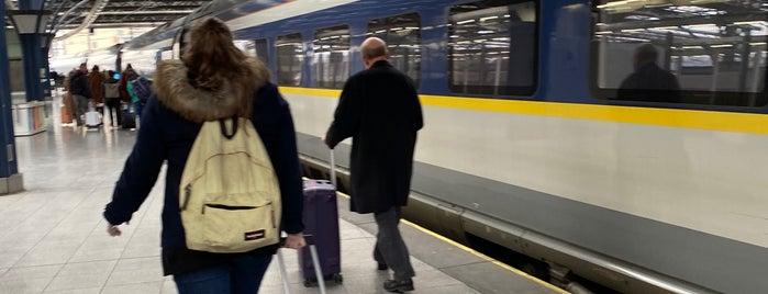 Spoor / Voie 2 is one of Brussels / Bruges.