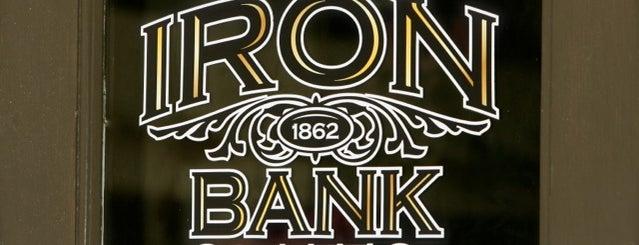 Iron Bank Coffee Co. is one of Locais curtidos por Daron.