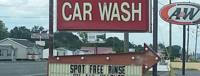 Ogle's Car Wash is one of Scrub A Dub Dub.