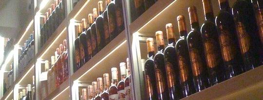 Sensus Şarap Butiği is one of Tempat yang Disukai Özlem.