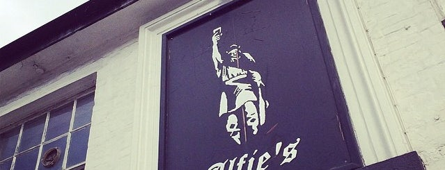Alfie's is one of Carlさんのお気に入りスポット.