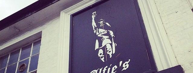 Alfie's is one of Lieux qui ont plu à Carl.