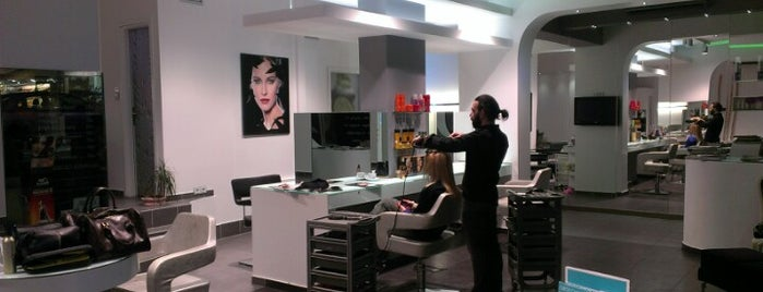 Hair Experts is one of Lieux qui ont plu à Constantine.
