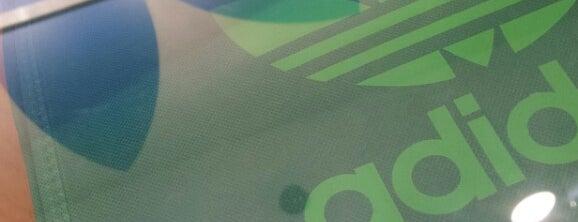 Adidas Originals is one of Alexandre 님이 좋아한 장소.